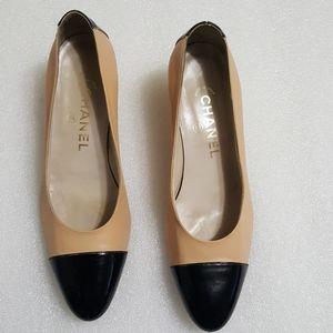 🎈CHANEL🎈 womens low heel pump size 6.5